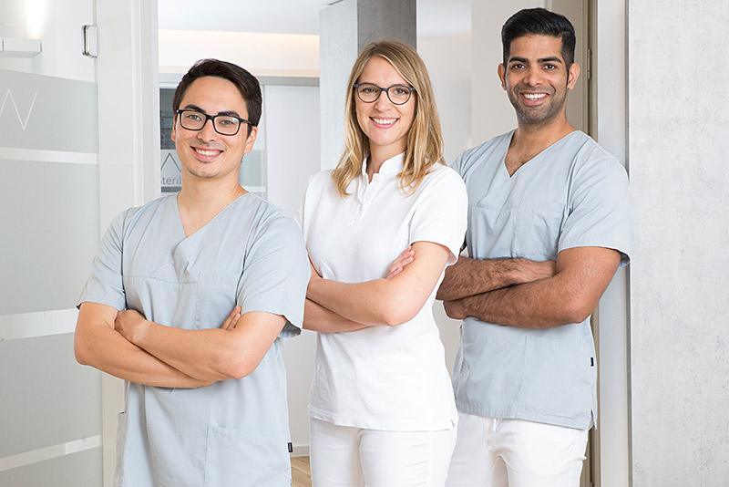 Mundwerk Zahnarztpraxis Aerzte-Team